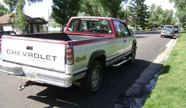 1988-Chevy-K2500-rear-233629.JPG