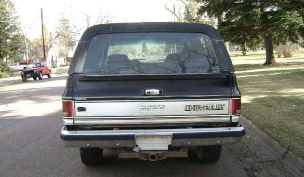 1988-Chevy-K5-Blazer-rear-180460.JPG