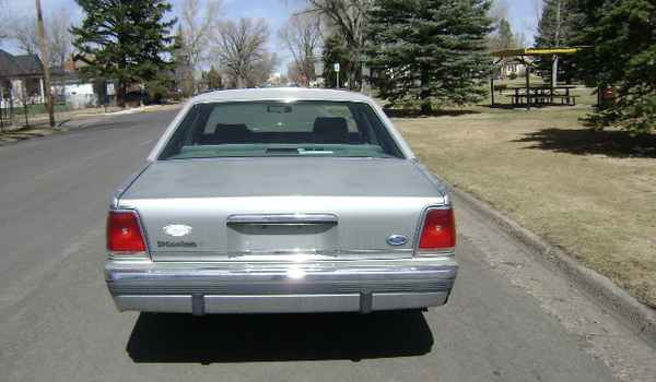 1988-Ford-ltd-rear-191603.JPG