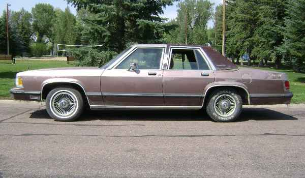 1989-Mercury-Grand-Marquis-lft-712674.JPG
