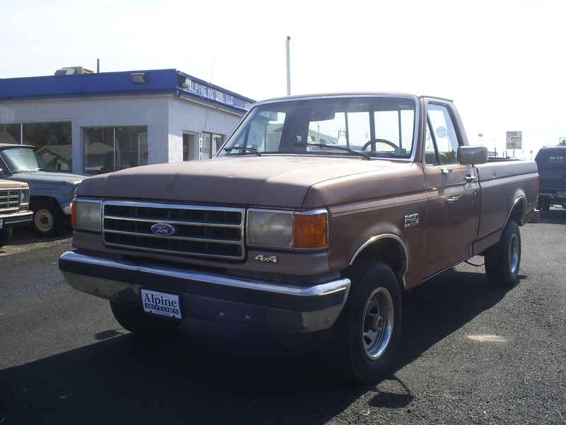 1990 Ford F-150 4x4 at Alpine Motors