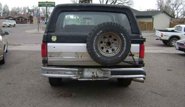 1990-Ford-bronco-rear-a57040.JPG
