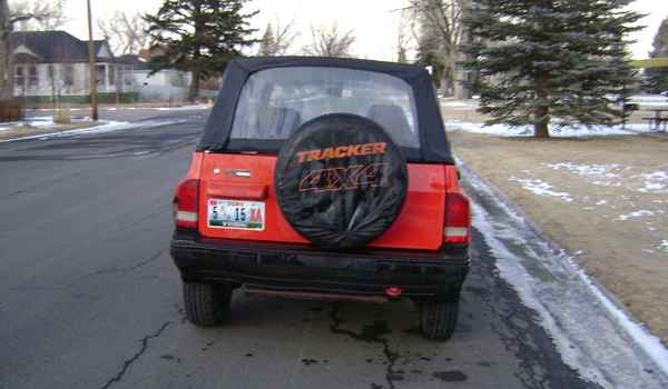 1991-Chevy-Tracker-rear-918267.JPG