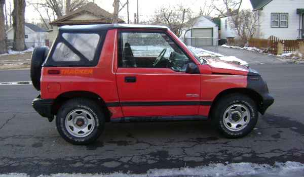 1991-Chevy-Tracker-rt-918267.JPG