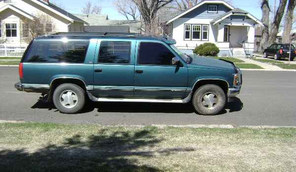 1992-Chevy-Suburban-rt-323758.JPG