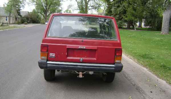 1992-Jeep-Cherokee-rear-171333.JPG