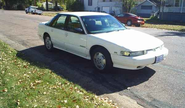 1992-Oldsmobile-Cutlass-Supreme-rt.JPG