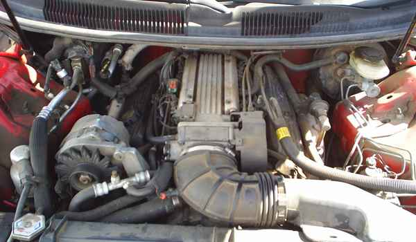 1993-Camaro-Z28-engine.JPG
