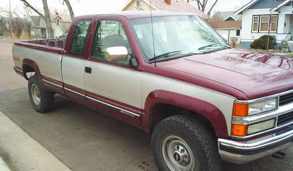 1994-Chevy-K2500-rt-frnt-194414.JPG