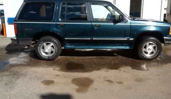 1994-Ford-Explorer-rt-D66641.jpg