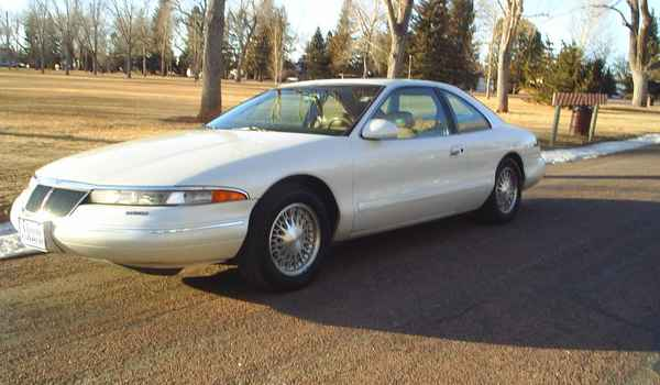 1994-Lincoln-Mark8-lft.JPG