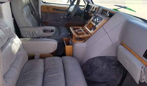 1994_GMC_Vandura_G2500_Conversion-16120395187.jpg