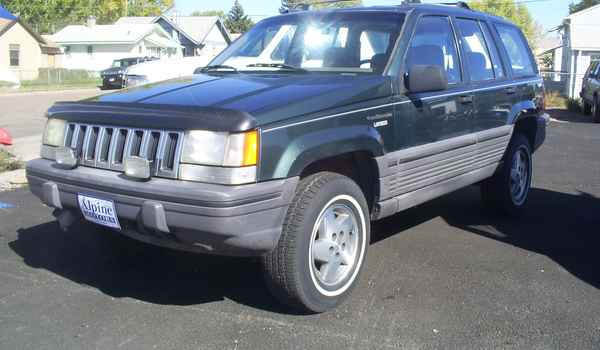 1995-Jeep-Grand-Cherokee-Laradeo-V8.JPG