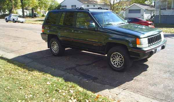 1995-jeep-Grand-Cheroke-Orvis-rt.JPG