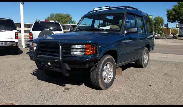 1995_Land_Rover_Discovery-14426810830.jpg
