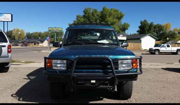 1995_Land_Rover_Discovery-14426810831.jpg