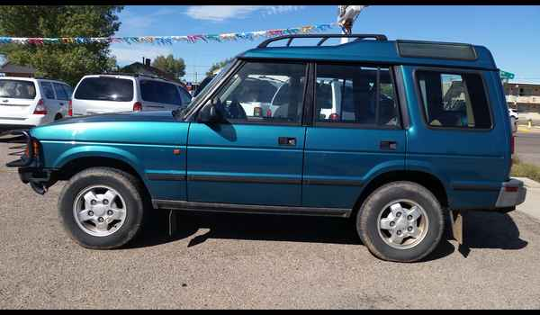 1995_Land_Rover_Discovery-14426810832.jpg