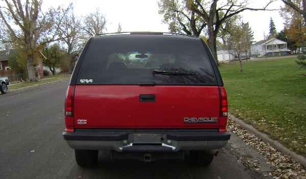 1997-Chevy-Tahoe-rear-398659.JPG