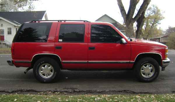 1997-Chevy-Tahoe-rt-398659.JPG