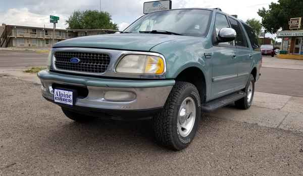 1997_Ford_Expedition_XLT_4x4-15318575940.jpg