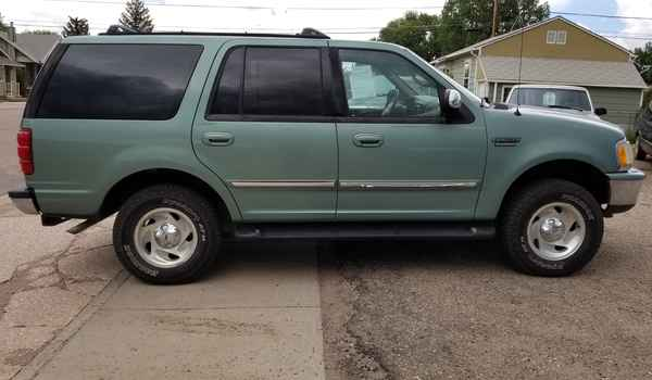 1997_Ford_Expedition_XLT_4x4-15318575943.jpg