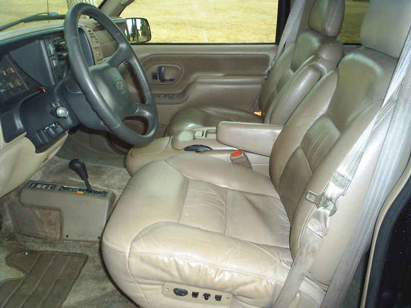 1998 Chevy Suburban K 2500 340666 At Alpine Motors