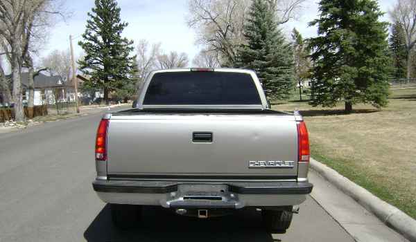 1998-Chevy-Z71-rear-122958.JPG