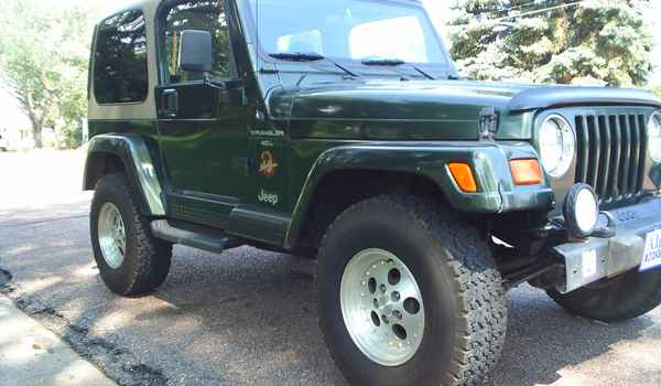 1998-Jeep-Wrangler-rt.JPG