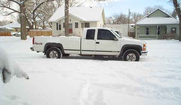 1999-Chevy-K2500-093997-rt.JPG