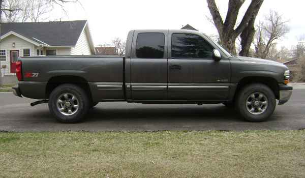 1999-Chevy-Silverado-rt-123124.JPG