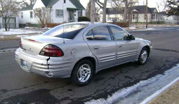 1999-Pontiac-Grand-Am-rear.JPG