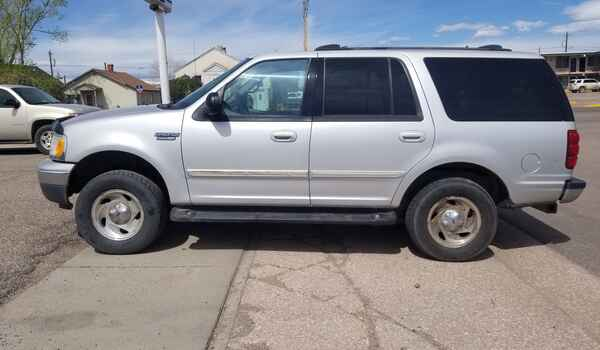 1999_Ford_Expedition_XLT_4x4-16220478262.jpg