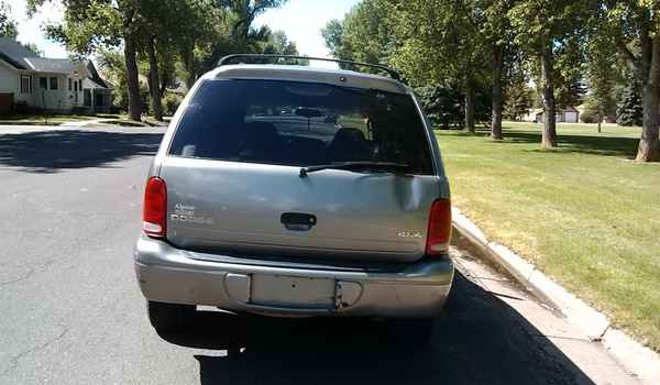 2000-Dodge-Durango-rear-298896.jpg