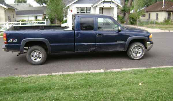 2000-GMC-Sierra-2500-rt-201589.JPG