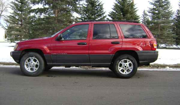 2001-Jeep-Grand-Cherokee-lft-701333.JPG