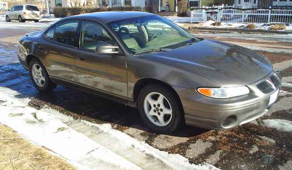 2001-Pontiac-Grand-Prix-rt.JPG