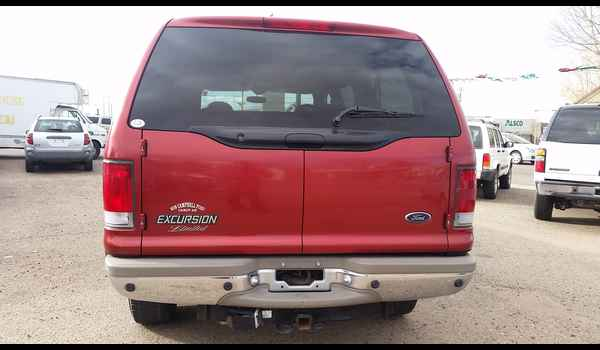 2001_Ford_Excursion_Limited-14780178983.jpg