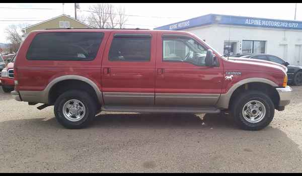 2001_Ford_Excursion_Limited-14780178984.jpg