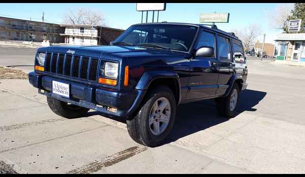 2001_Jeep_Cherokee_Limited-14895079000.jpg