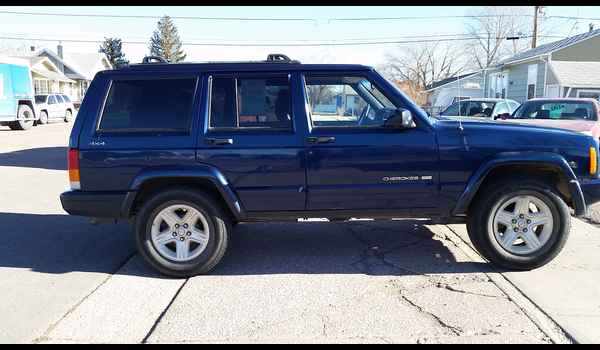 2001_Jeep_Cherokee_Limited-14895079004.jpg