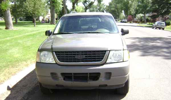 2002-Ford-Explorer-XLS-C24044.JPG