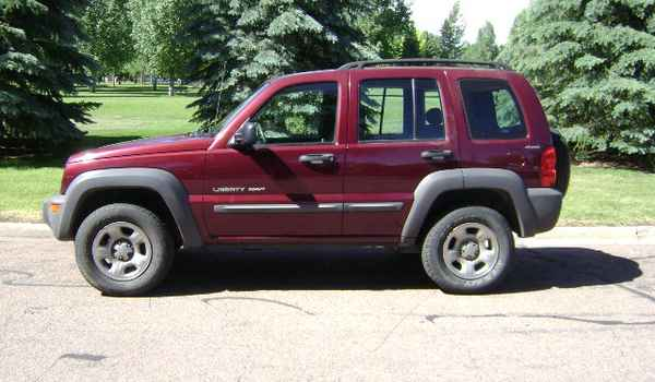 2002-Jeep-Liberty-lft-223612.JPG