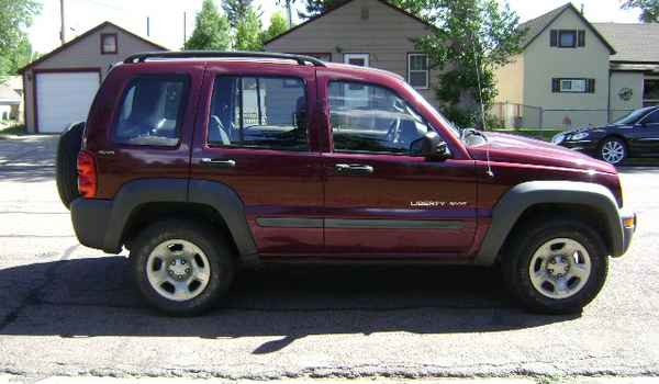 2002-Jeep-Liberty-rt-223612.JPG