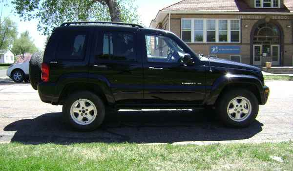 2002-Jeep-Liberty-rt-240472.JPG
