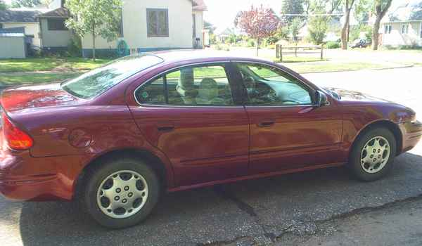 2002-Oldsmobile-Alero-rt.JPG