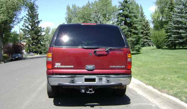 2003-Chevy-Suburban-rear-118575.JPG