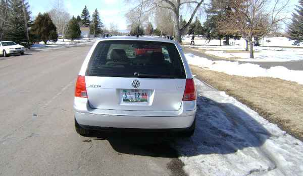 2003-VW-Jetta-rear-269626.JPG