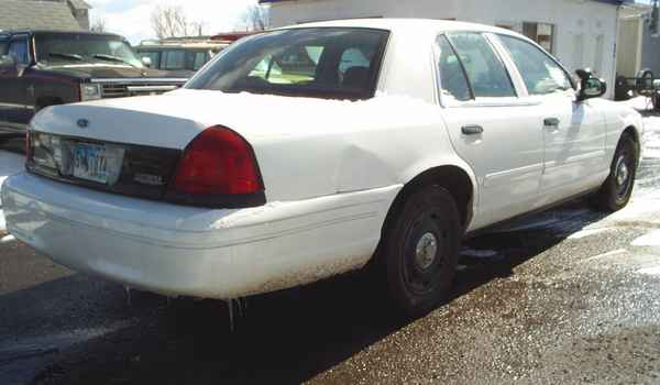 2004-Ford-Crown-Victoria-P71-Police-Interceptor-rr.JPG