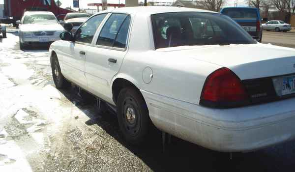 2004-Ford-Crown-Victoria-P71-Police-interceptor-lft-rear.JPG