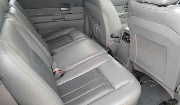 2004_Dodge_Durango_Limited_4x4_5.7-153609950910.jpg